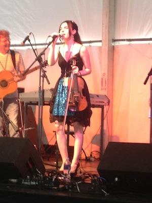 Kara_onstage
